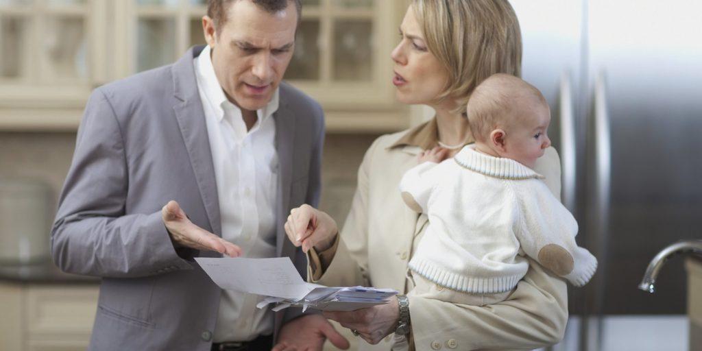 Как начисляются алименты на ребенка если отец официально работает